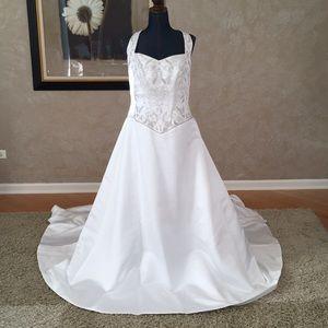 Casablanca Bridal halter wedding dress BRAND NEW!